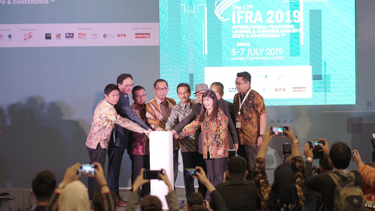 International Franchise, License & Business Concept Expo & Conference 2019 Industri Waralaba Indonesia Menuju Pasar Global